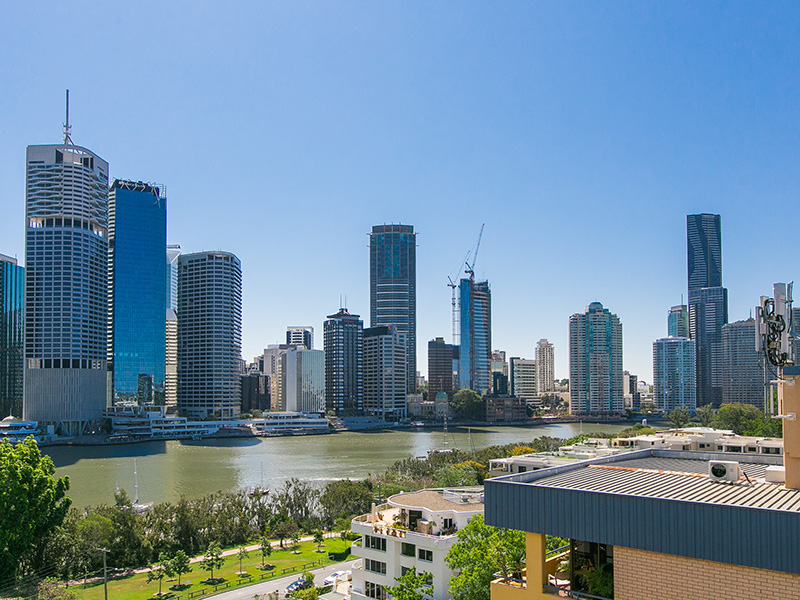 Two Bedroom Unit with River & City Views-Free Wifi