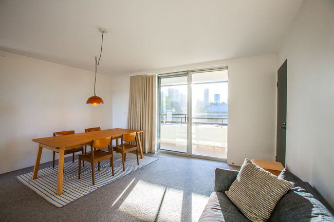 Our short term apartments are perfectly suited to holiday makers and business travellers alike, as we offer everything from 1-bedroom rentals up to 5-bedroom options which feature fully equipped kitchens and facilities for laundry.