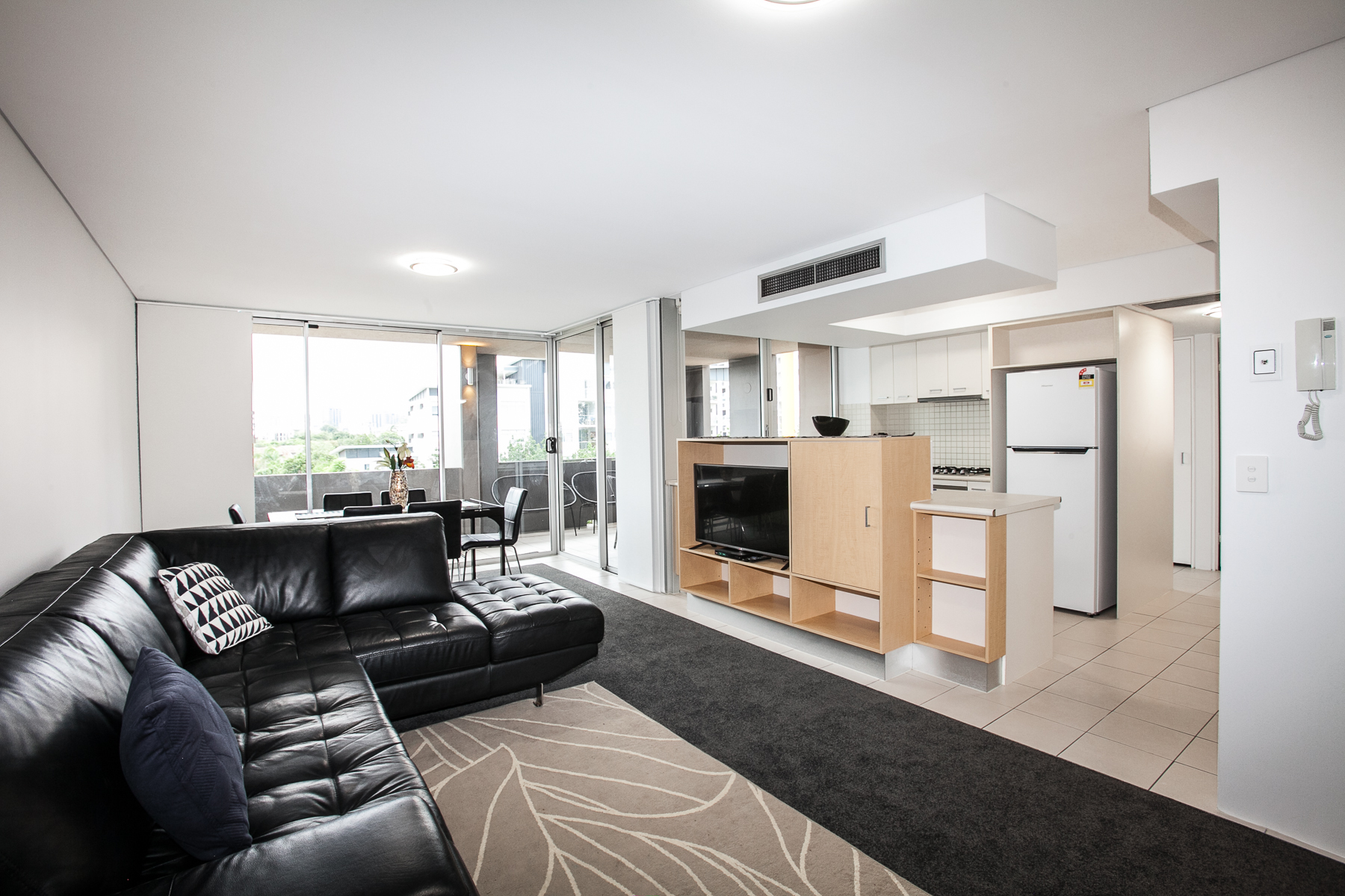 Two Bedroom Unit in Vicinity Apartment with Pool and Free Parking