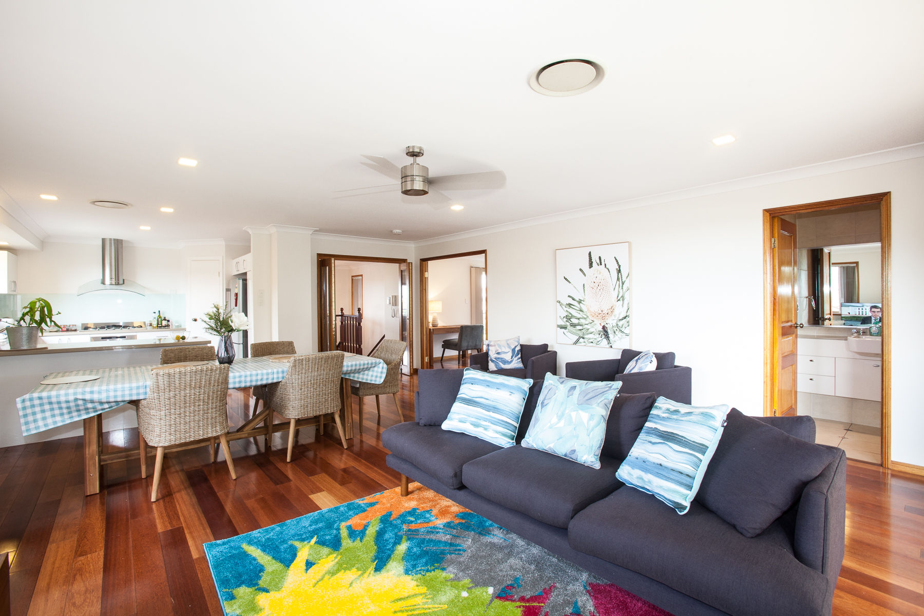 Kimsey House-Executive Three Bedroom Home on the Hill with River & City Views