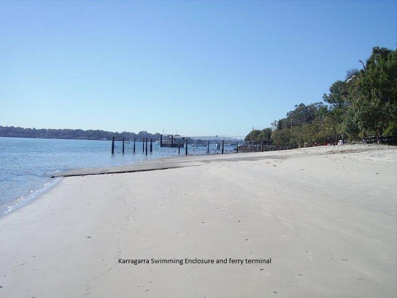 Waterfront pet friendly holiday house to rent on Karragarra Island which is on beautiful Moreton Bay